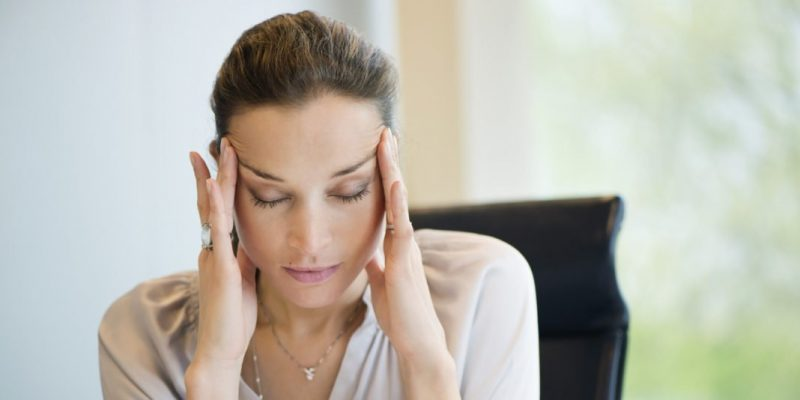 Những cách giảm đau đầu vào thời kỳ kinh nguyệt tại nhà cực hiệu quả